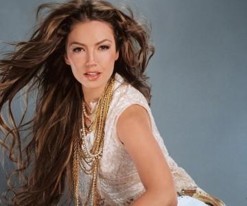 """Thalía presentó una nueva verión de """"Junto a Ti"""", con el grupo mexicano Timbiriche."""