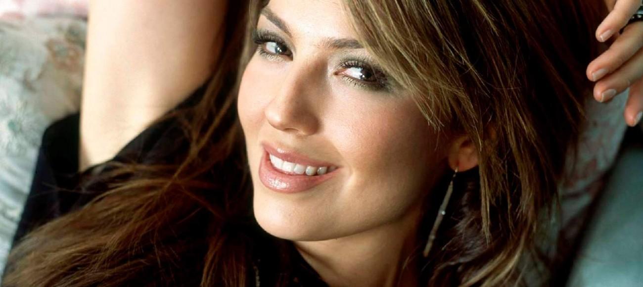 """Thalía presentó una nueva verión de """"Junto a Ti"""""""